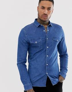ASOS DESIGN - Enges Jeanshemd in mittlerer Waschung mit Westerndesign-Blau