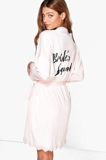 boohoo - Plus Morgenmantel mit Bride-Squad-Slogan und Spitzenapplikation
