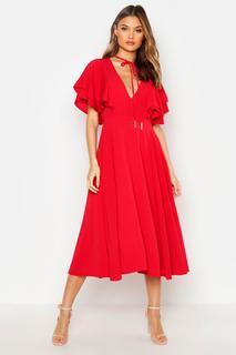 boohoo - Midaxi-Kleid mit gerüschten Engelsärmeln und Kragenbindung