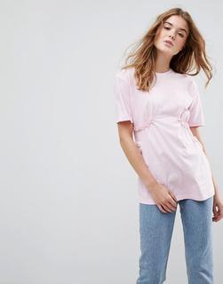 ASOS DESIGN - ASOS – T-Shirt mit gezurrter Taille und kleinen Rüschen aus Spitze-Rosa