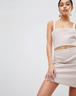 Bec & Bridge - Eng anliegendes Minikleid mit Zierauschnitt - Beige