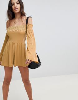 ASOS DESIGN - Off Shoulder Jersey Playsuit With Lace Detail