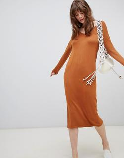 ASOS DESIGN - Mittellanges Pulloverkleid mit V-Ausschnitt und Wellenstrickmuster-Stone