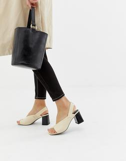 ASOS DESIGN - Howdy – Sandalen mit Blockabsatz und Zehenschlaufe-Stone