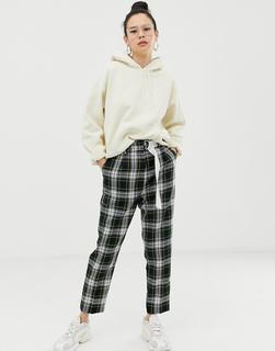 ASOS DESIGN - tapered trousers with contrast d-ring belt in check