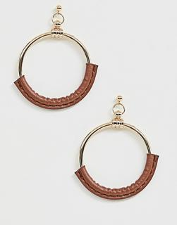 ASOS DESIGN - earrings in open circle drop with tan faux leather in gold tone