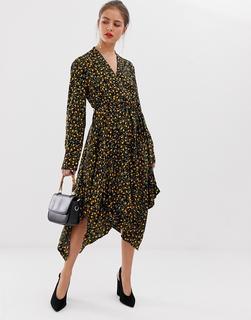Vila - Geblümtes Kleid mit Stufensaum - Mehrfarbig