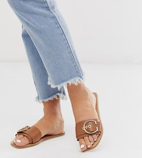ASOS DESIGN - Wide Fit Factual leather buckle flat sandals in camel
