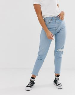 Levis - mom jeans with knee rip