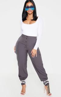 PrettyLittleThing - Shape Dark Grey Pocket Detail Cargo Trouser, Grey