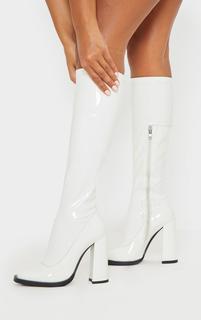 PrettyLittleThing - White Knee High Block Heel Sock Boot, White