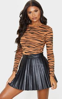 PrettyLittleThing - Basic Tan Zebra Long Sleeve Fitted T Shirt, Brown