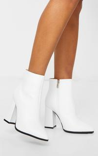 PrettyLittleThing - White Wide Fit Point Block Heel Ankle Boots, White