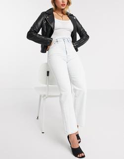 Levis - Ribcage– Gerade geschnittene, knöchellange Jeans in Weiß