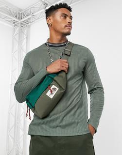 ASOS DESIGN - Langärmliges Shirt aus interessantem Material mit Kontraststreifen-Grün