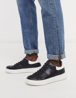 Topman - Sneaker in Schwarz mit weißen Details