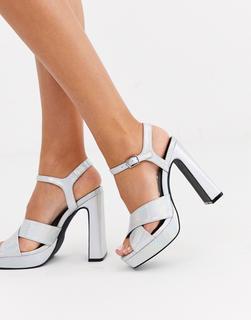 Truffle Collection - Sandalen mit Plateauabsatz und überkreuzten Riemen-Silber