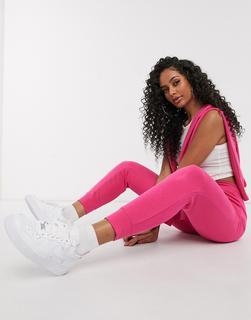 Nike - Essentials – Schmale Jogginghose in Rosa