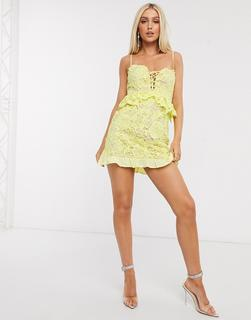 Love Triangle - Zitronengelbes Spitzen-Minikleid mit Rüschen