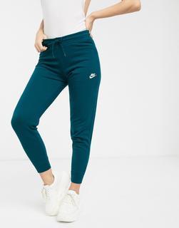 Nike - Essentials – Schmal geschnittene Jogginghose in Dunkelblau