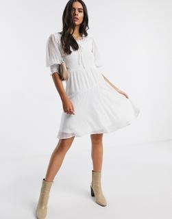 Vero Moda - Weißes Skaterkleid aus gepunktetem Netzstoff mit Carré-Ausschnitt und Puffärmeln
