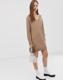 ASOS DESIGN - Mini-Pulloverkleid aus Bio-Garn mit tiefem V-Ausschnitt und Wellenmuster-Stone
