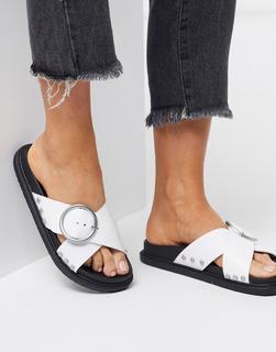 Truffle Collection - Flache Sandalen in Weiß mit Schnalle
