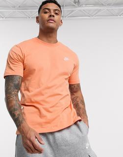 Nike - Club – T-Shirt in Stauborange