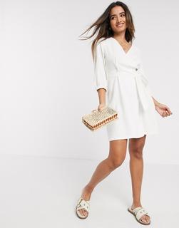 Vero Moda - Weißes Mini-Leinenkleid mit Wickeldesign