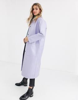ASOS DESIGN - Trenchcoat in Lila mit Lackoptik-Violett