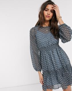 Vero Moda - Gestuftes Minikleid mit besticktem Overlay in Blau