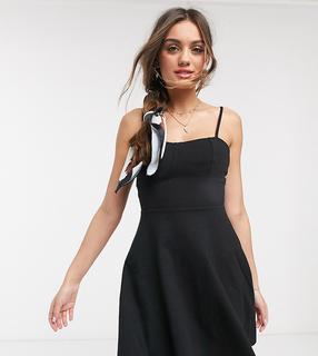 ASOS Petite - ASOS DESIGN Petite – Mini-Sommerkleid mit eckigem Ausschnitt und abgenähten Körbchen in Schwarz