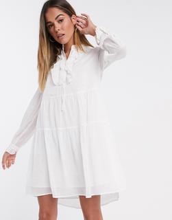 Vero Moda - Studio – Weißes Hängerkleid mit Rüschen