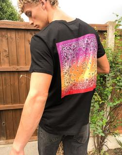 Sixth June - Schwarzes T-Shirt mit Bandanadesign hinten