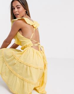 ASOS DESIGN - Abgestuftes, kurzes Skater-Sommerkleid in Gelb mit Schnürung am Rücken
