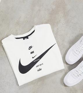 Nike - Plus – Boyfriend-T-Shirt mit Swoosh-Logos in Weiß
