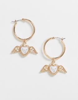 ASOS DESIGN - Kreolen mit geflügelten Herzanhängern in Gold