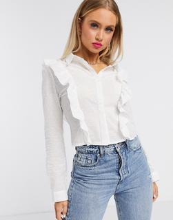 Missguided - Kurz geschnittenes Hemd mit Noppen und Rüschendetail vorn in Weiß