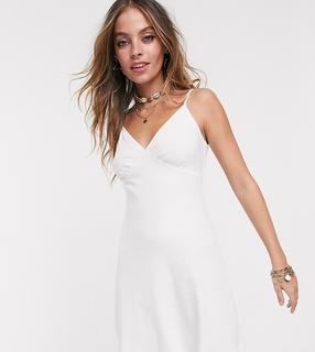 ASOS Petite - ASOS DESIGN Petite – Sommerliches, geripptes Camisole-Minikleid in Weiß