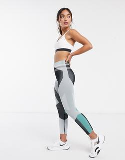 Nike Training - Icon Clash – Nahtlose, figurbetone Leggings in Grau bedruckt