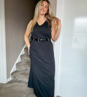 Vero Moda Curve - Ärmelloses schwarzes Maxikleid mit V-Ausschnitt