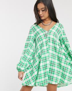 ASOS DESIGN - Strukturiertes Swing-Kleid mit V-Ausschnitt in Grün kariert-Mehrfarbig