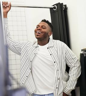 ASOS DESIGN - Plus – Elegante Hemdjacke mit Brusttaschen in Schwarz und Weiß gestreift