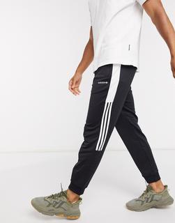 adidas Originals - Jogginghose mit Patchwork-Design in Schwarz