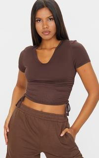 PrettyLittleThing - Chocolate Jersey V Neck Ruched Side T Shirt, Chocolate