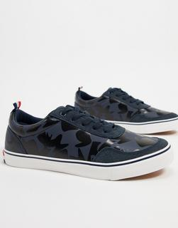 Le Breve - Sneaker mit farblich abgestimmtem, marineblauem Military-Muster-Navy