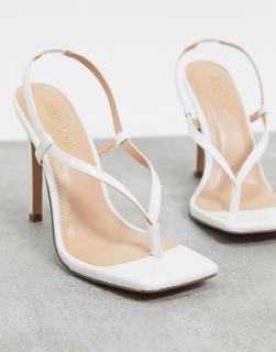 STEVE MADDEN - Bashment – Sandalen mit Abastz in Schlangenlederoptik in Weiß