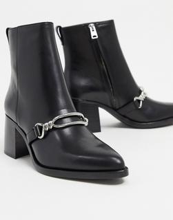 AllSaints - Rhye – Absatzstiefel mit Kettendetail aus schwarzem Leder