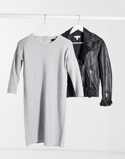 Vero Moda - Pulloverkleid mit Rundhalsausschnitt in Grau