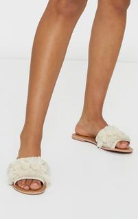 PrettyLittleThing - Cream Tassel And Pom Pom Mule Sandals, White